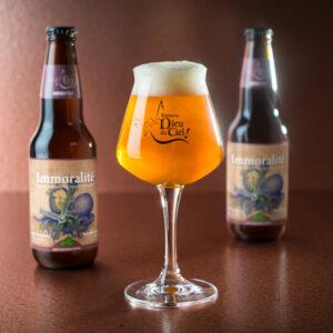 Birra Immoralitè: Bottiglia e bicchiere